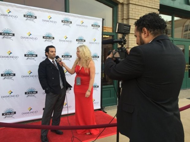 jdiff-actor-and-Executive-Producer-Chris-Alan-walks-the-red-carpet-for-his-short-film-Fashing