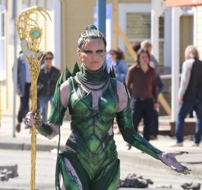 Power_Rangers-Elizabeth_Banks-Rita_Repulsa-Richmond-Canada-4_25_2016-002.jpg