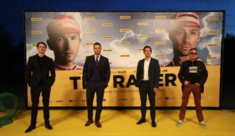 De Vlaamse cast en regisseur van The Racer op wereldpremière aan De Muur van Geraardsbergen