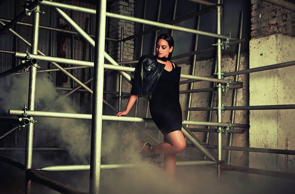 Sonakshi Sinha Cosmopolitan Shoot India Magazine November 2016 Image 1