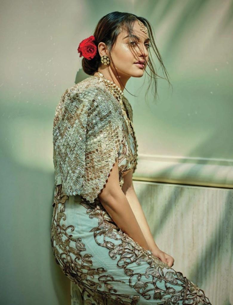 Sonakshi Sinha Femina Magazine Photoshoot December 2016 Issue Image 2