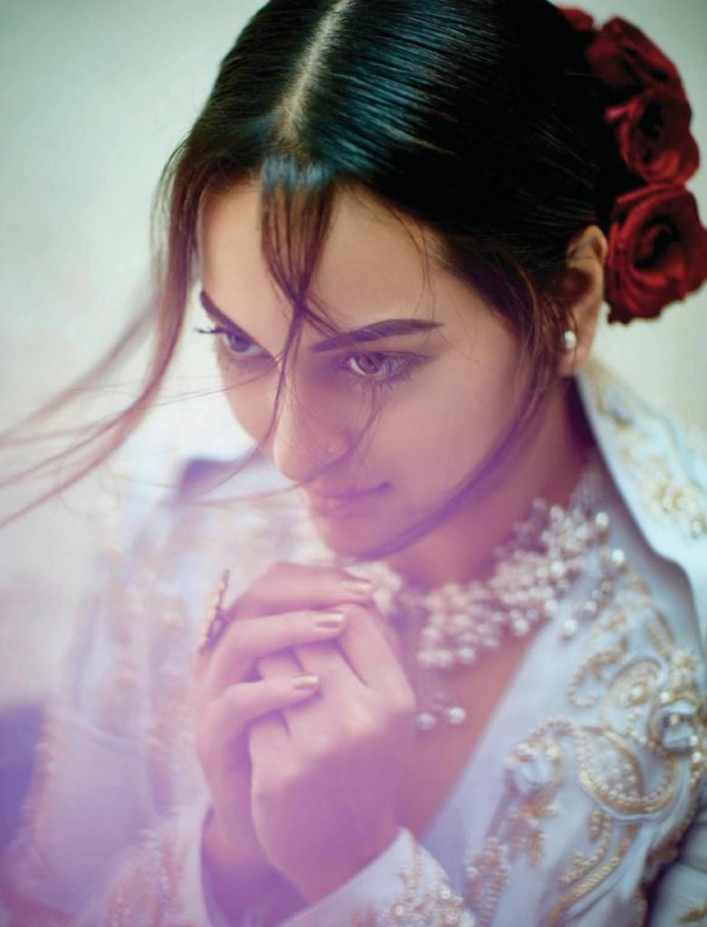 Sonakshi Sinha Femina Magazine Photoshoot December 2016 Issue Image 5