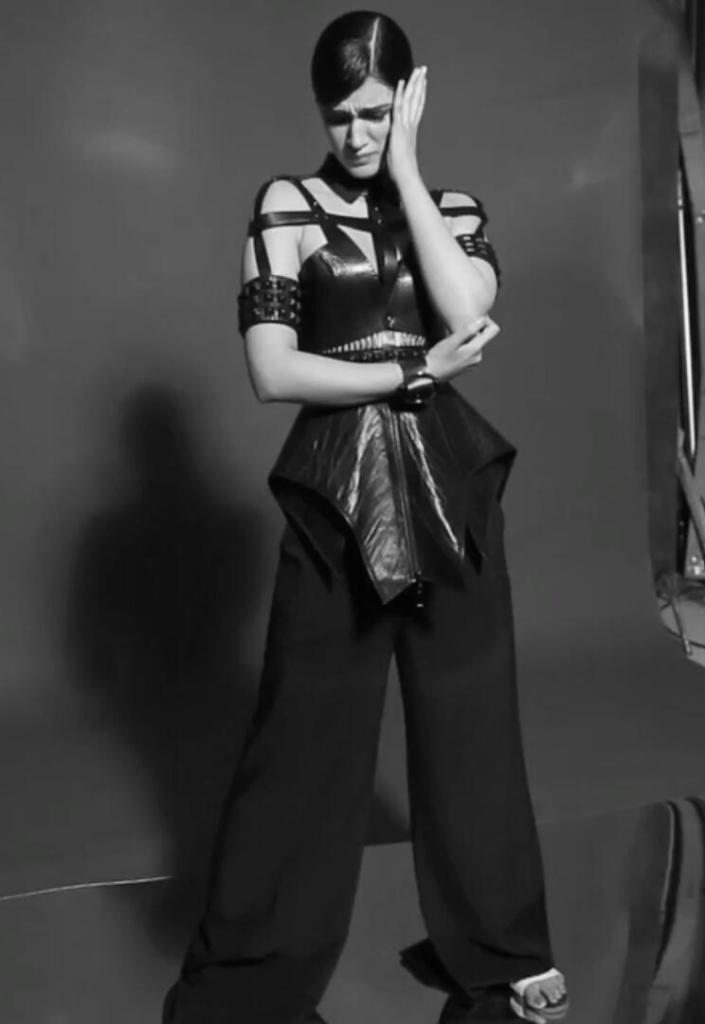Kriti Sanon Photoshoot Of Maxim Magazine December 2016 Issue Image 9