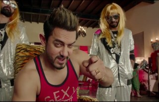 Secret Superstar Teaser Trailer - Aamir Khan's Special cameo Poster