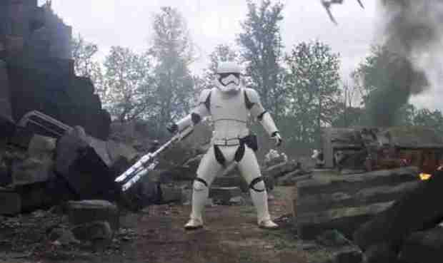 star-wars-force-awakens-stormtrooper