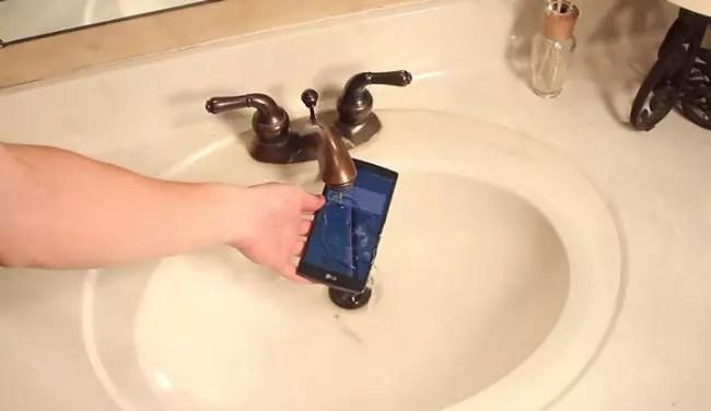 LG G4 en agua
