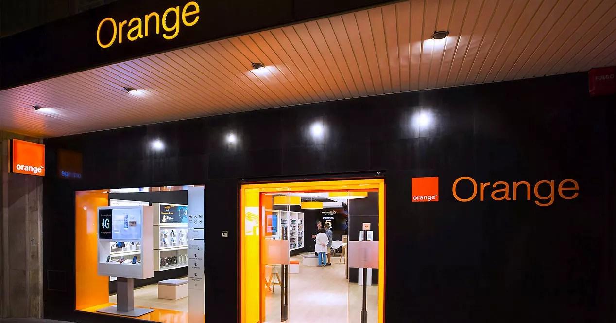 Escaparate de tienda Orange