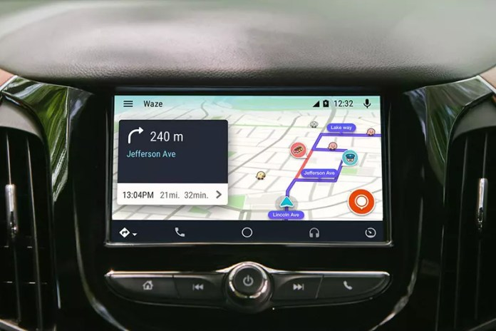 Waze compatible with Android Auto