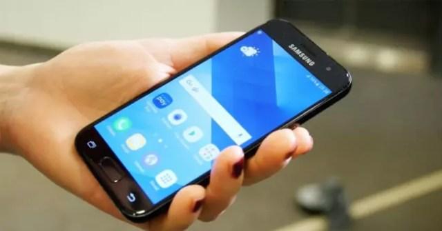 Samsung Galaxy℗ A3 2017 en color negro