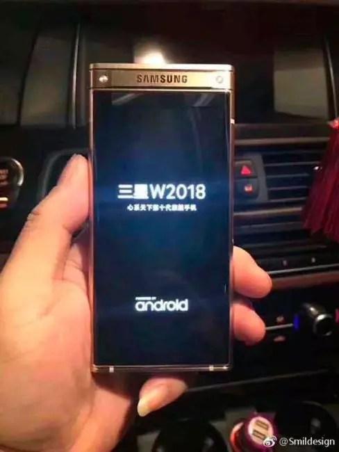 móvil de concha de Samsung