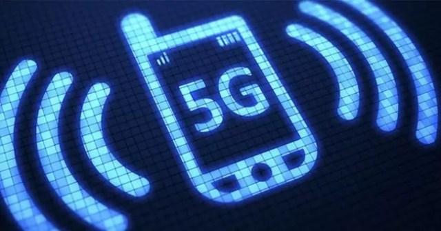 Silueta de un smartmovil 5G