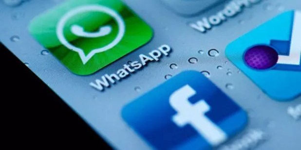 Iconos de WhatsApp y Facebook