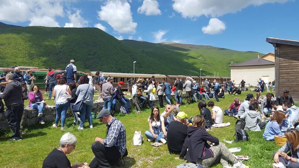 Transiberiana Dabruzzo Calendario 2020.Domenica 8 Luglio Torna Il Treno Del Vino Sulla