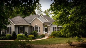 A house surrounded by tress, which residential movers NJ can relocate.