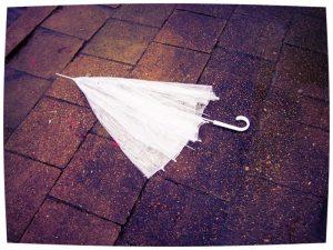 Steek je paraplu niet op voor het begint te regenen. Herbert Louis Samuel