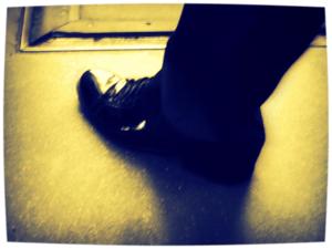 Er zijn mensen die liever een trap van een lakschoen krijgen, dan een handdruk van een vereelte hand. Peter Sirius