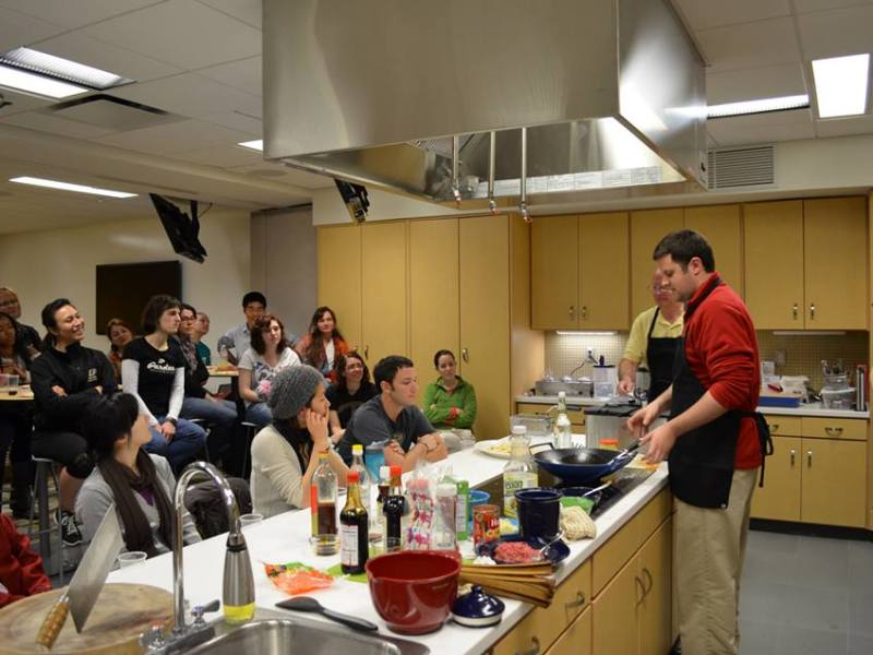 Teaching Chinese cooking demo