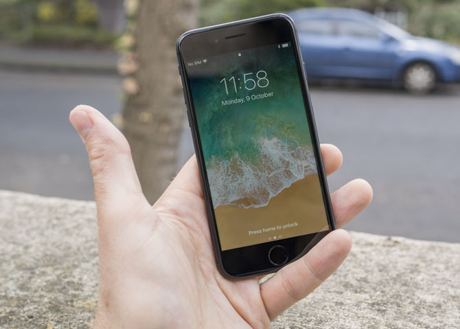 iPhone 8 Review: Smart Phone, Dumb Upgrade iphone 8 5
