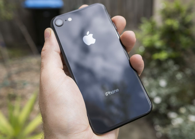 iPhone 8 Review: Smart Phone, Dumb Upgrade iphone 8 12