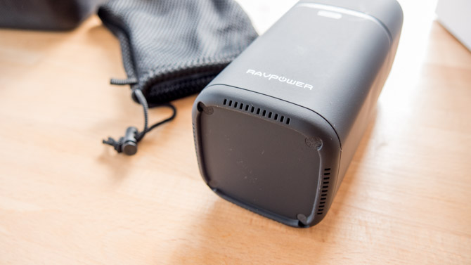 RAVPower 20100mAh AC Charger Review: Power All The Things ravpower bouches d'aération