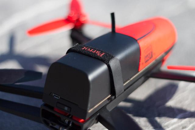 drone bebop et contrôleur sky - batterie