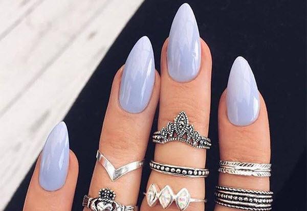 encore à la forme des ongles
