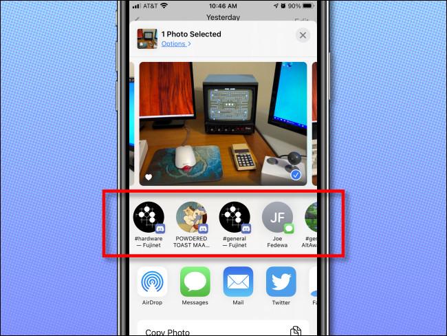 Ein Beispiel für Siri-Kontaktvorschläge im iPhone Share-Blatt.