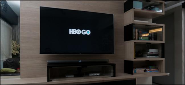HBO Go-Logo auf einem Großbildfernseher.