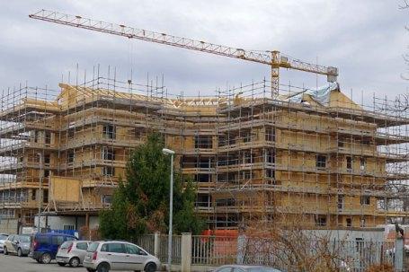 Condominio Piossasco completate struttura esterna coperture del condominio