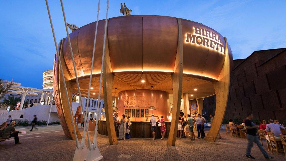 Bottega Moretti, il padiglione in legno xlam di Birra Moretti a Expo 2015 - esterno