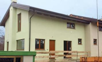 Bioedilizia: Casa in legno a telaio a due piani a Cervasca, Cuneo
