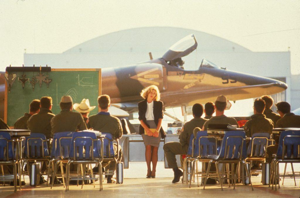 Real Navy Jets And Aviators Will Satiate Top Gun Maverick