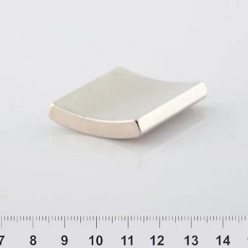 Arc Neodymium Magnet Nickel N30H