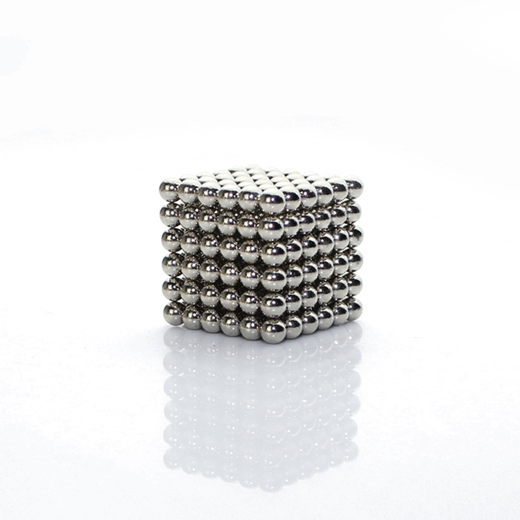 216x3mm Original White Buckyballs Neocube