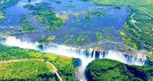 Victoria Falls thundering