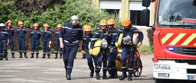 Collégiens et apprentis soldats du feu