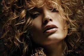 Jak dodać włosom sprężystości