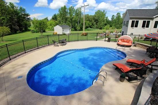 Gemini Shaped Pool