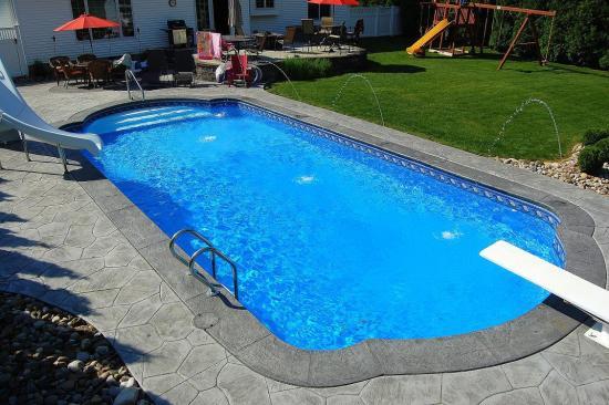 Roman Ends Shaped Pool