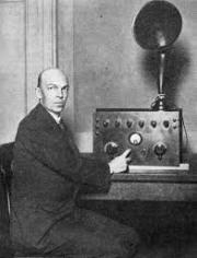 ई. एच. आर्मस्ट्राँग – एफ. एम. रेडिओचे संशोधक