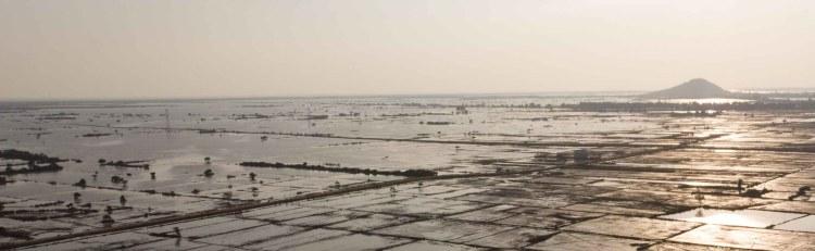 洞里薩湖定期氾濫