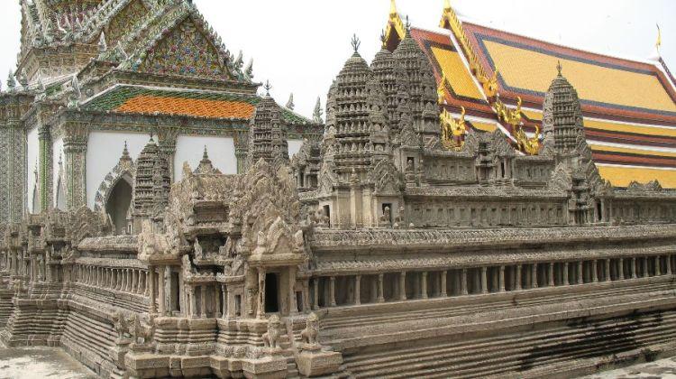 玉佛寺的吳哥窟模型