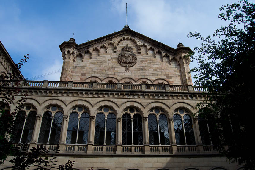 Universidad de Barcelona - All those food market by mrandmslemon.com