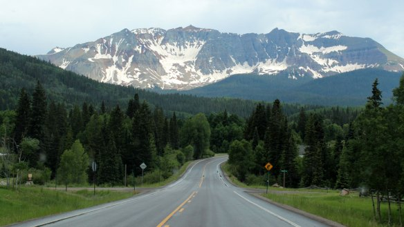 road_through_colorado
