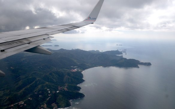 flying-into-costa-rica-on-aa-miles