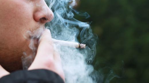دراسة : المدخنين أكثر عرضة للإصابة بفيروس كورونا