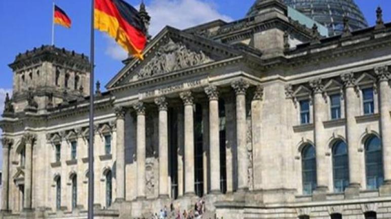 ألمانيا تعلق عمليات ترحيل اللاجئين بسبب كورونا