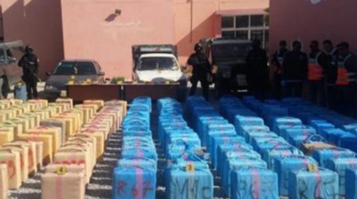 حجز طن و482 كلغ من مخدر الحشيش وتوقيف شخصين يشتبه في تورطهما في شبكة تنشط في مجال الترويج الدولي للمخدرات