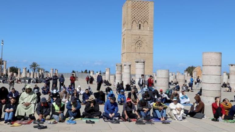 """بالفن والطب والدين.. مغاربة ينخرطون في """"معركة"""" التحسيس ضد كورونا"""