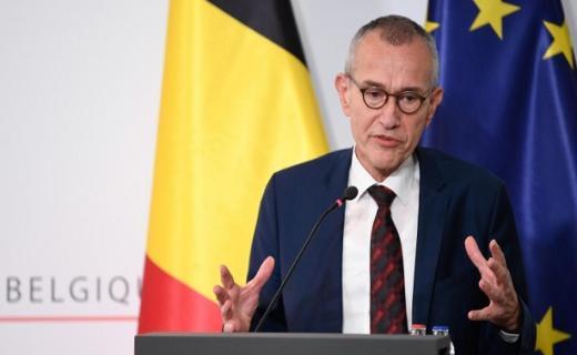 """وزير الصحة البلجيكي يحذر من أن بلاده قد تواجه """"تسونامي"""" من الإصابات بفيروس كورونا"""